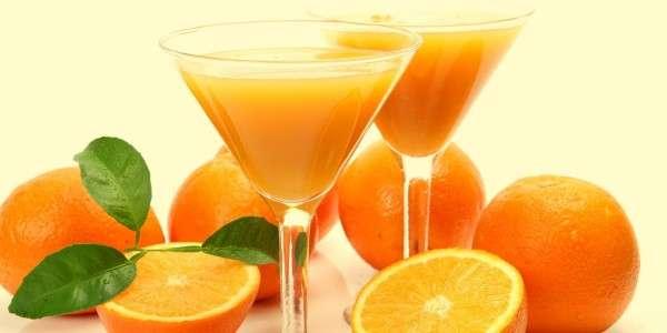 Gläser Orangensaft