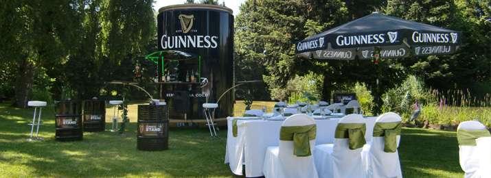 Mobile Irish Bar & Stuhlhussen | Irische Hochzeit