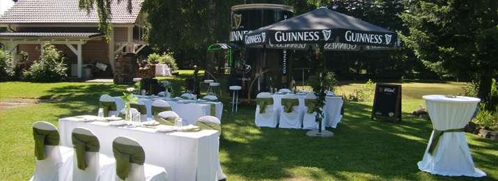 Mobile Irish Pub & Bank- und Tischhussen | Irische Hochzeit