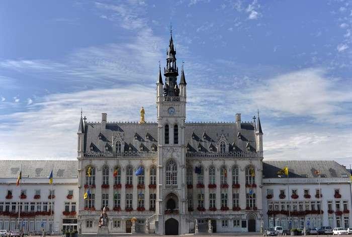 St. Niklaas Rathaus - Referenzen